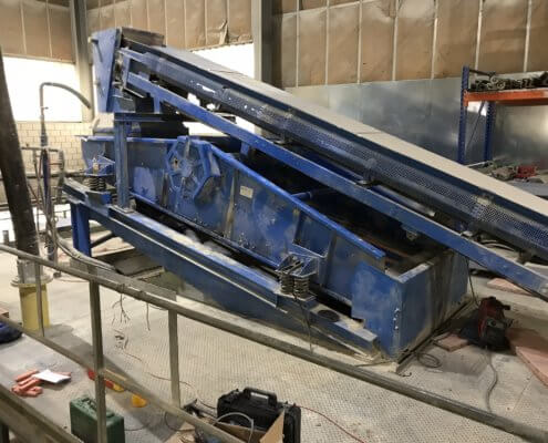 Siebmaschine - Wellenantrieb - Fördertechnik / Aufbereitung